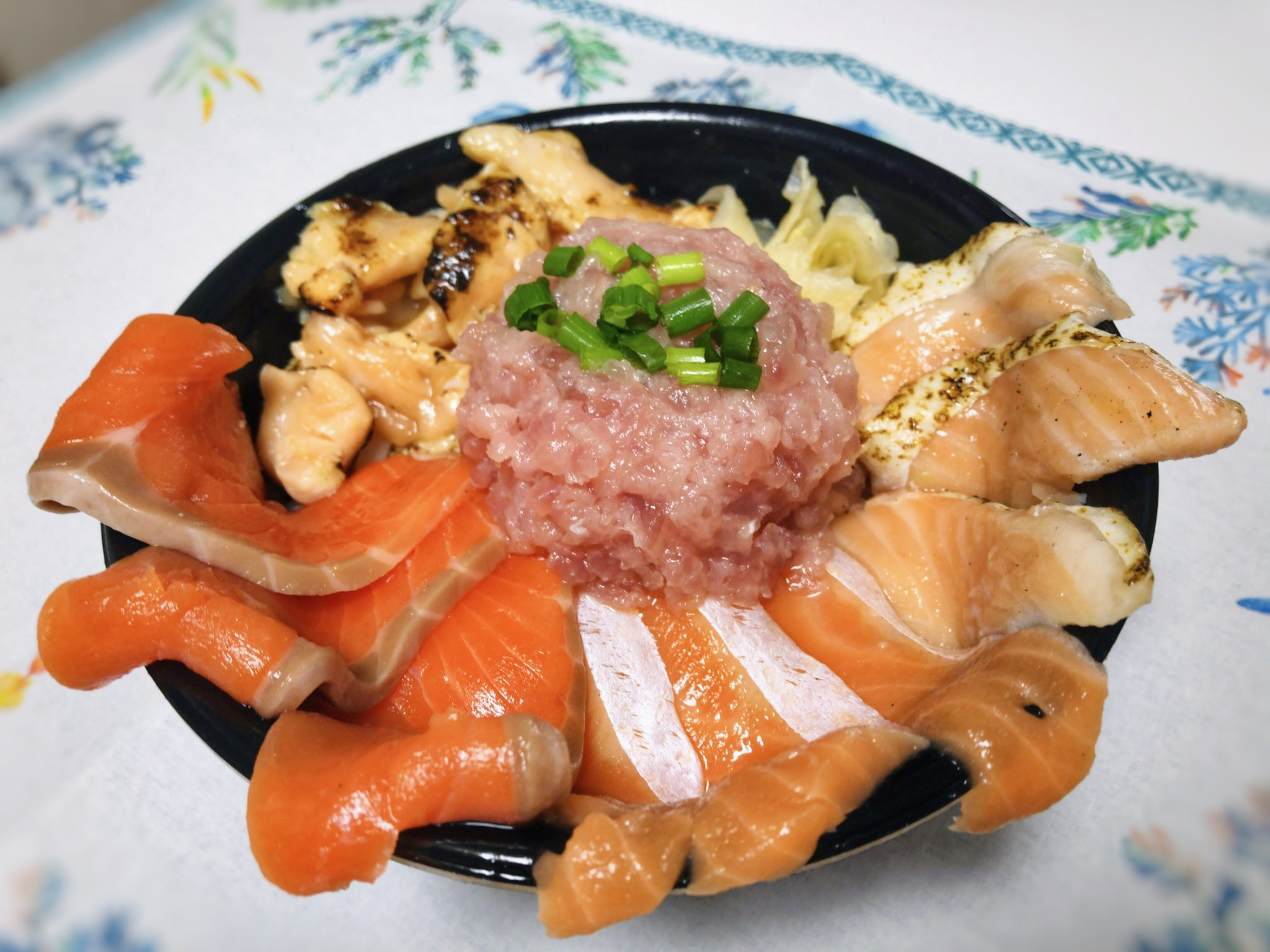 魚丼のひまわり丼①