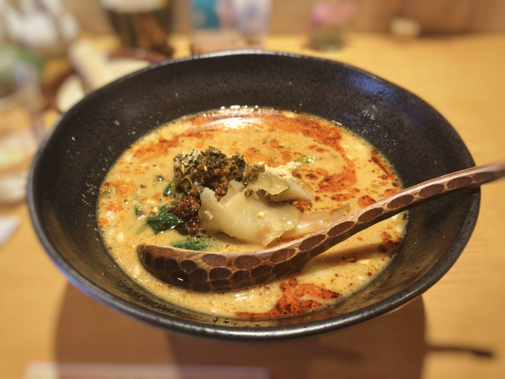 鶴亀飯店の四川担々麺①