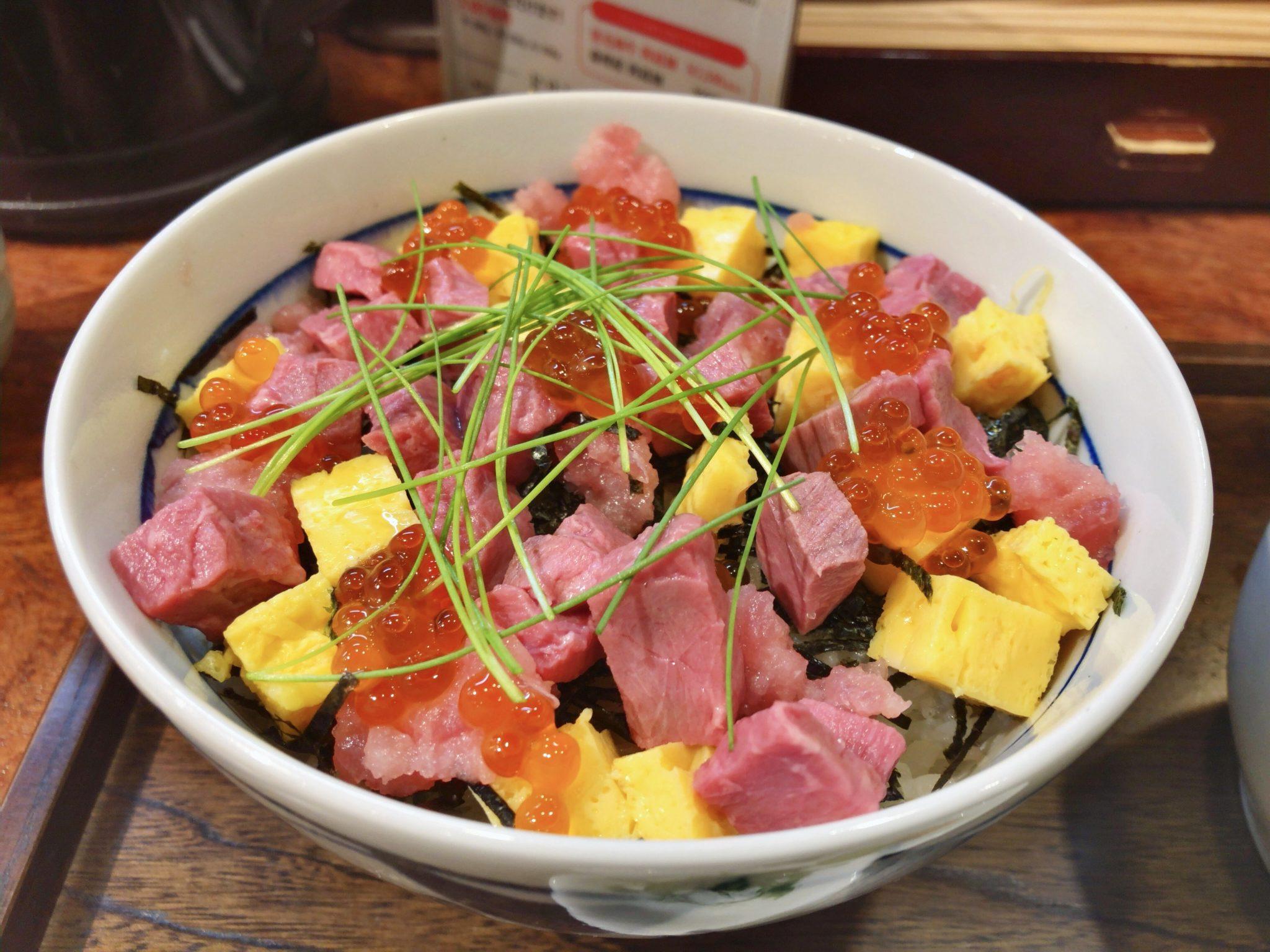 ローストビーフ大野の海鮮ローストビーフちらし丼①