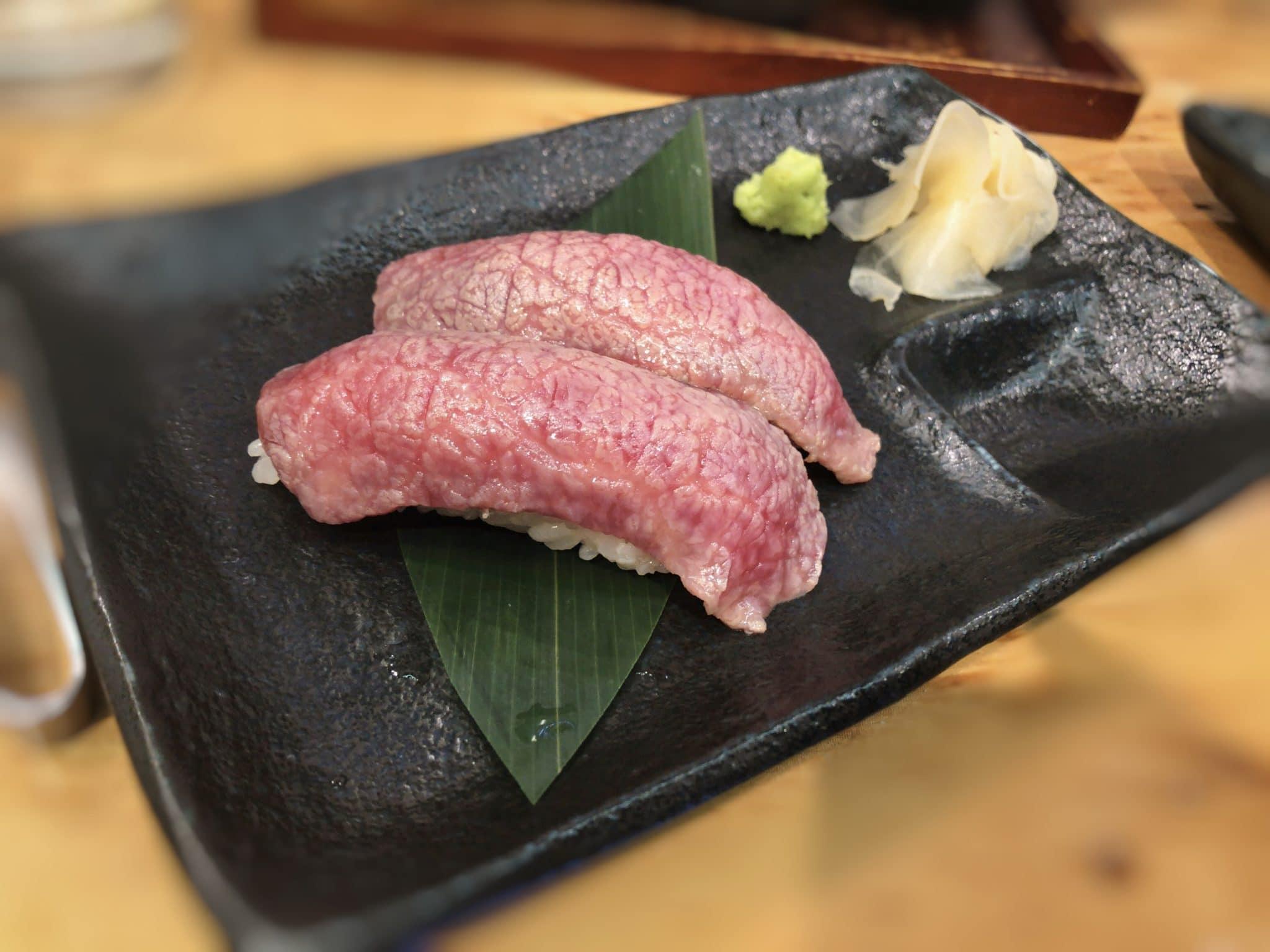 立ち喰い焼肉治郎丸の上肉寿司①
